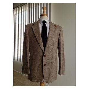 Gorgeous Stafford Sport Coat with leather patches